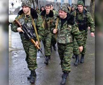 Вооруженные российские военные уже в