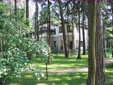 Коттеджный поселок «Сады Майендорф» - одно из немногих мест, которое полностью соответствует классу Luxury