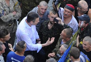 Кличко уговаривал майдановцев разойтись.. Фото Укринформ
