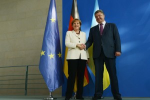 Merkel receives Poroshenko