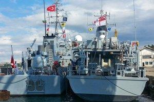НАТО существенно нарастило группировку своих кораблей в Черном море за последние дни, объясняя это предстоящими учениями