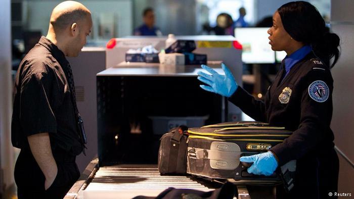 Контроль в аэропорту Нью-Йорка
