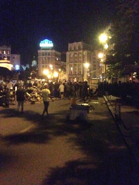 Ночью на Майдане произошла провокация. Фото @tombreadley