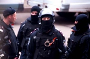 Луганская милиция с колорадскими ленточками
