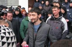 """Суд освободил """"Топаза"""". Фото: Максим Иванов, """"Сегодня"""""""