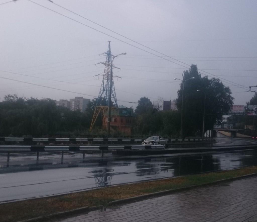 Боевики бросили авто посреди дороги. Фото: Вконтакте