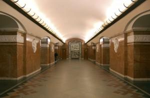 Universytet_metro_station_Kiev_2010_01
