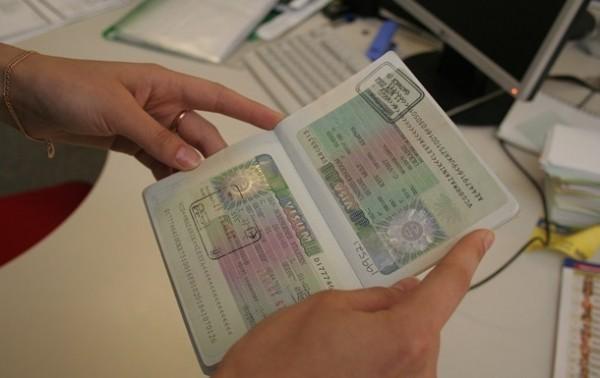 Фото: Корреспондент.net Польша и Румыния уже имеют положительный опыт с Украиной в рамках так называемого малого пограничного движения