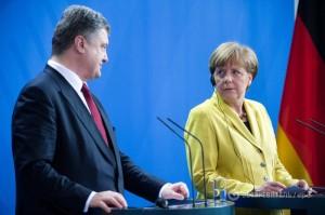 Меркель услышала от Порошенко о пленных украинцах