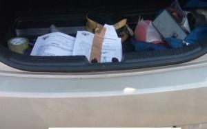 Мужчина пытался провезти бланки в багажнике легкового автомобиля