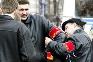 Улицы и дворы Москвы будут патрулировать отряды дружинников kirovnet.ru